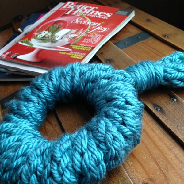 finger knitted wreath 3